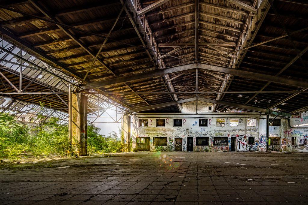 Bahnhof der Surrealität